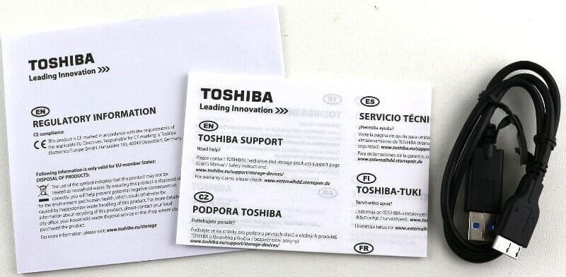 Toshiba Canvio Basics 2TB contenido de la caja
